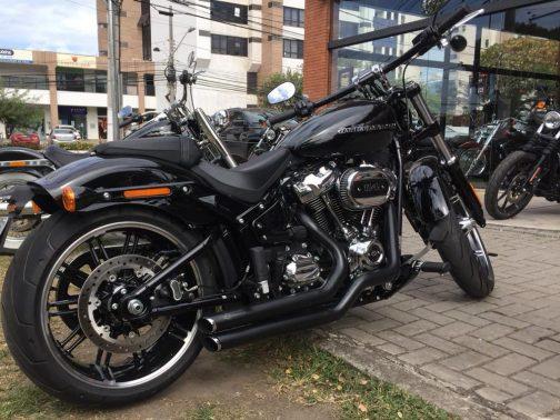 Escapamento para Harley Davidson Breakout (2018+) K10 T-Black