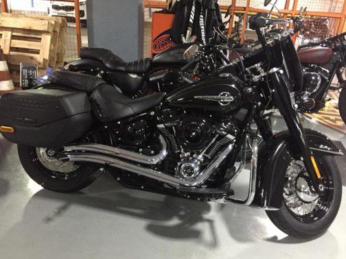 Escapamento para Harley Davidson Heritage (2018+) K10 Curvo Cromado