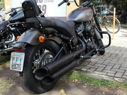"Ponteiras para Harley Davidson Street Bob (2018+) 3.5"" Corte Lateral T-Black"