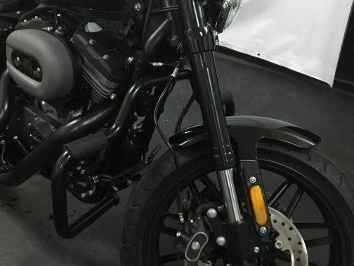 Protetor de Motor para Harley Davidson Roadster Moustache Preto com Apoio em Borracha