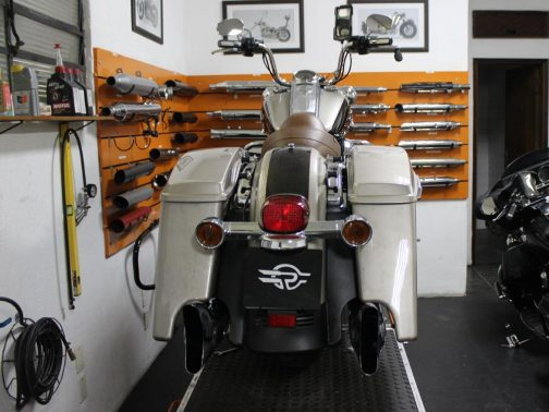 Escapamento para Harley Davidson Touring Road King Special com Terminal Rabo de Peixe Especial Cromado
