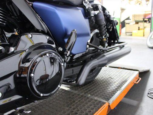 """Escapamento para Harley Davidson Touring Street Glide 115 Anos 2X2 (sem interligação) com ponteiras 4"""" T-Black Estilo Original"""