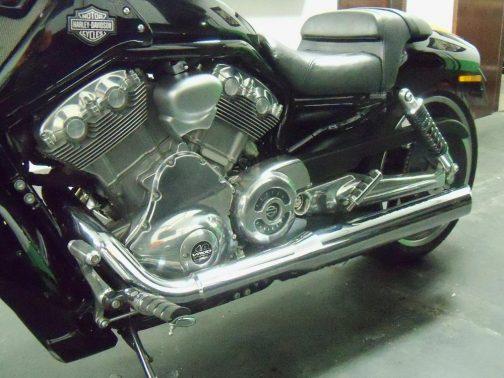"Ponteiras para Harley Davidson V-Rod Muscle 3.5"" Corte Lateral Curtas Cromadas"